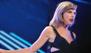 Taylor Swift golpeó a una fan con un bastón de golf