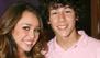 Nick Jonas mostró una imagen de cuando era novio de Miley Cyrus