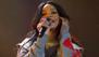 Rihanna regresa a su antiguo look de pelo rojo