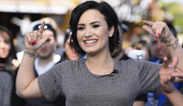 """Demi Lovato se quitó su tatuaje """"de vagina"""""""