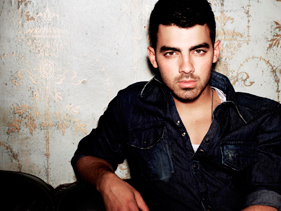 ¡Joe Jonas confirmado!