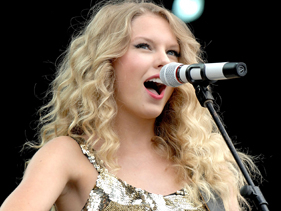 "Taylor Swift presentó en vivo ""Speak Now"", su nuevo disco"