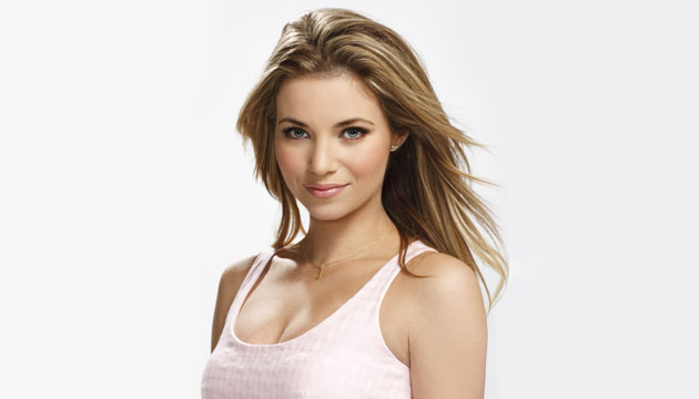 Jenny Swanson (Amber Lancaster)