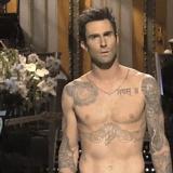 10 ocasiones en las que Adam Levine olvidó ponerse una camisa