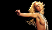 Britney Spears dedica topless a Mariah Carey