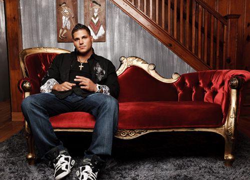 Jersey Shore: Temporada 3 - Los compañeros de casa más conocidos regresan a New Jersey. ¡Mira todas las fotos! Episodios estreno todos los domingos en MTV.