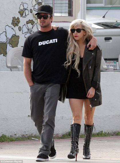 Top 10: Te Amo - Lady Gaga y Taylor Kinney