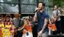 Adam Levine muestra el trasero en el nuevo video de Maroon 5
