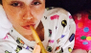 Miley Cyrus fuma el porro más grande que hayamos visto