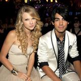 Las relaciones amorosas de Taylor Swift