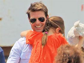 Tom Cruise gasta 50.000 dólares a la semana en guardaespaldas para Suri