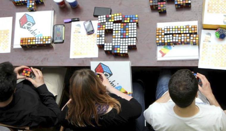 Justin Timberlake hecho con cubos de Rubik