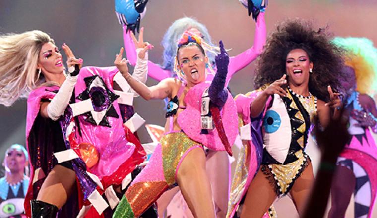 Los momentos más WTF de Miley en el 2015