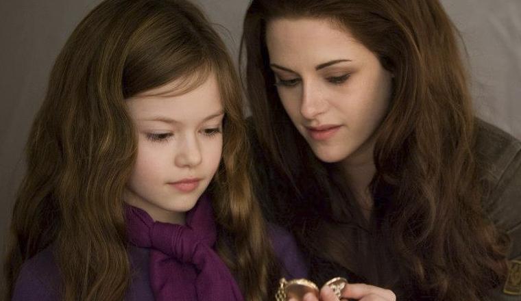 ¿Recuerdan a Renesmé de Twilight? Ahora se ve así…