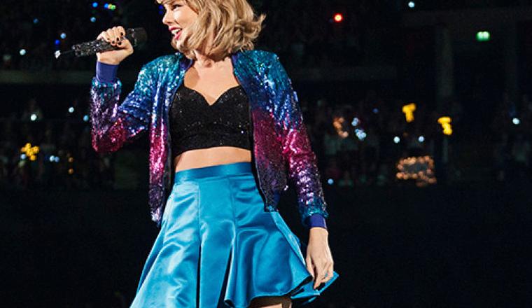 Aquí la razón por la que Taylor solo usa crop tops y faldas