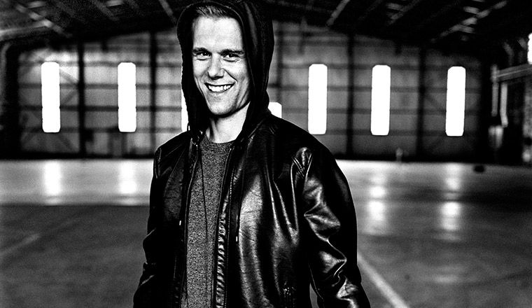 "ALERTA VIDEO NUEVO: Armin van Buuren feat. Kensington - ""Heading Up High''"