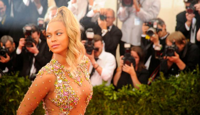 Beyoncé: ¡sin maquillaje y en traje de baño!