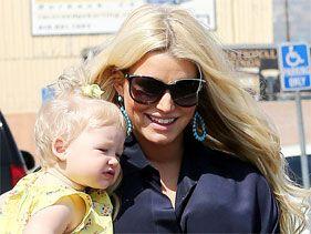 Jessica Simpson reparte el cariño entre sus hijos