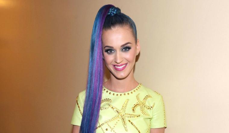 Es oficial: ¡Katy Perry se convirtió en un arcoíris!