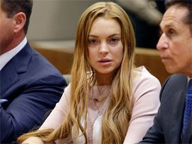 El padre de Lindsay Lohan se siente culpable de los problemas de su hija