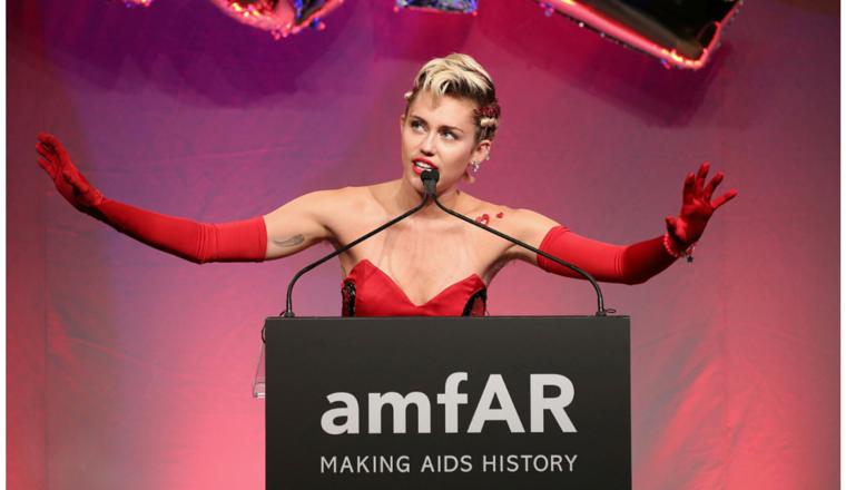 Miley Cyrus fue reina de la gala de amfAR