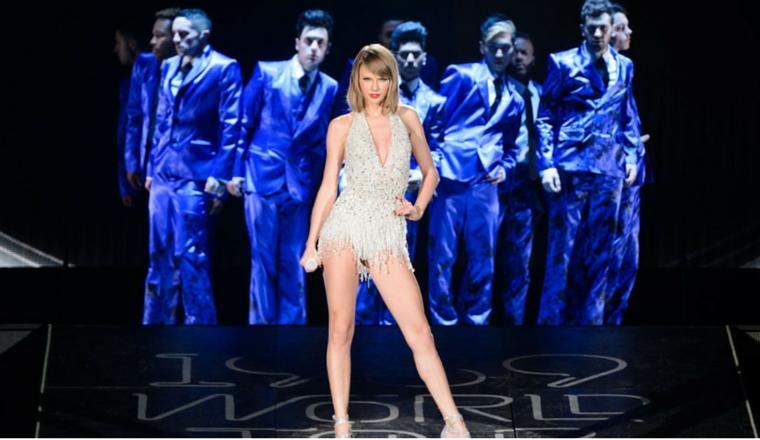 """Taylor """"rockea"""" con Imagine Dragons y más estrellas en Detroit"""