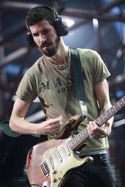 LINKIN PARK: FOTOS DEL SHOW - Brad Delson (Linkin Park)